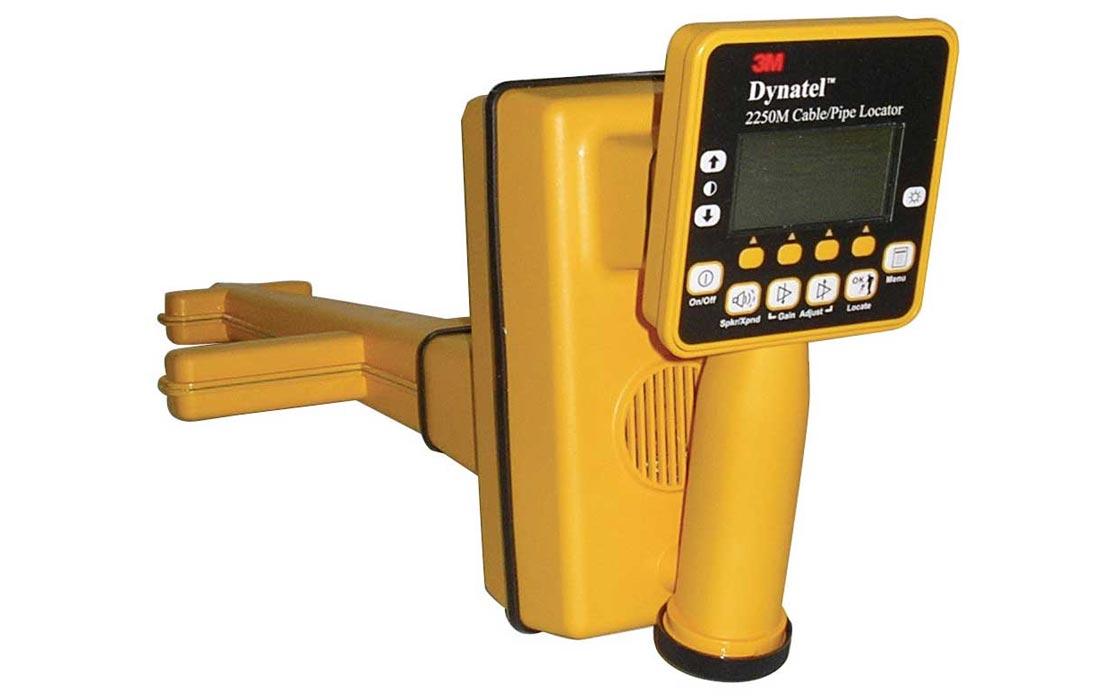 Dynatel™ 2573E-ID/CU12 трассо- маркеро- повреждения- искатель, 6 активных и 4 польз. частоты, 12Вт,